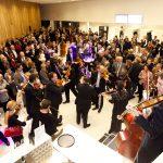 Symphonieorchester-Vorarlberg-Orchester-fuer-alle  Beim Orchester Jubiläum 2015 mischte sich das Orchester unters Publikum. Am 14. Juni 2017 geht das Orchester in die Marktgasse und wer Lust hat, kann den Taktstock selbst in die Hand nehmen.  Copyright: Dietmar Mathis