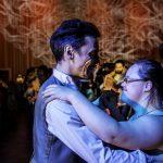Tango-en-Punta3  Die Begegnung von Menschen mit und ohne Behinderung steht im Mittelpunkt der Inklusions-Tanzklassen von Tango en Punta.  Copyright: Ishka Michocka. Abdruck honorarfrei zur Berichterstattung über Tango en Punta. Angabe des Bildnachweises ist Voraussetzung.