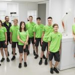 1zu1: Lehrlinge 2018  Die acht neuen Lehrlinge des Dornbirner High-Tech-Unternehmens 1zu1 mit ihren Ausbildern.  Copyright: Darko Todorovic. Der Abdruck ist honorarfrei zur Berichterstattung über 1zu1. Angabe des Bildnachweises ist Voraussetzung.