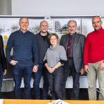 i+R / RITZ Friedrichshafen: Partner  Freuen sich auf das Regionale Innovations- und Technologietransferzentrum (von links): Dipl. Ing. FH Harald Betting (Amtsleiter Landratsamt Bodenseekreis), Ing. Eckehard Schöch (Geschäftsführer i+RB Industrie- & Gewerbebau), Dipl.Ing. Tankred Bergmeister (Baumschlager Hutter ZT GmbH), Manuela Meske-Schubert (Geschäftsführerin RITZ Friedrichshafen), Prof. Dr.-Ing. Heinz-Leo Dudek (Prorektor DHBW), Prof. Dr. Lars Ruhbach (Geschäftsführer IWT Friedrichshafen).  Copyright: Dietmar Walser. Abdruck honorarfrei zur Berichterstattung über i+RB Industrie- & Gewerbebau GmbH in Zusammenhang mit dem RITZ. Angabe des Bildnachweises ist Voraussetzung.