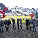 i+R Spatenstich Martin GmbH  Nahmen gemeinsam den Spatenstich für das neue Firmengebäude der Martin GmbH in Ludesch vor (von links): Andreas Veith (Martin), Joachim Alge (i+R Gruppe), Wolfgang Rigo (Huppenkothen/Martin), Andreas Jäger (i+R IGB), Martin Hofer (Huppenkothen), Eckehard Schöch (i+R IGB), Nicolas Violand (i+R IGB), Dieter Lauermann (Bürgermeister Ludesch), Johannes Bereuter (i+R IGB) und Herwig Koch (Martin). (Copyright: Dietmar Mathis)  Copyright: Dietmar Mathis. Abdruck honorarfrei zur Berichterstattung über i+R Industrie- & Gewerbebau GmbH oder Huppenkothen GmbH in Zusammenhang mit dem Neubau der Martin GmbH. Angabe des Bildnachweises ist Voraussetzung.