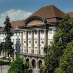 Universität Innsbruck: HauptgebäudeDie Universität Innsbruck feiert 2019 ihr 350-jähriges Bestehen.Copyright: Uni Innsbruck. Der Abdruck für alle Fotos ist honorarfrei zur Berichterstattung über die Universität Innsbruck. Angabe des Bildnachweises ist Voraussetzung.