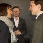 Elisabeth Sobotka (Intendantin der Bregenzer Festspiele), SOV-Geschäftsführer Sebastian Hazod (Mitte) und Leo McFall im Gespräch