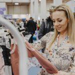 Babywelt-Bodensee-Shoppen  Unter den rund 60 regionalen, nationalen und internationalen Ausstellern finden sich bekannte Marken wie Besafe und Britax Römer.  Copyright: FLEET Events GmbH, Abdruck honorarfrei zur Berichterstattung über die Babywelt Bodensee 2019. Angabe des Bildnachweises ist Voraussetzung.
