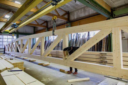 i+R-Holzbau-manuelle-Endfertigung-2