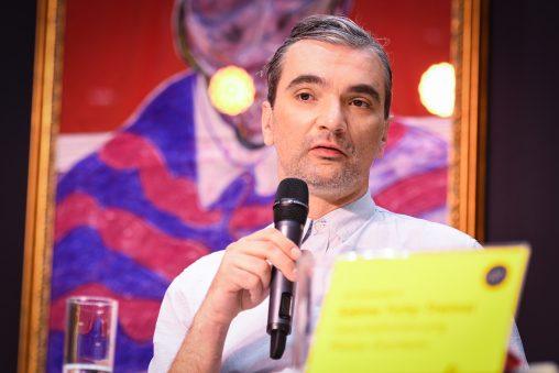 Der serbische Künstler Milan Mladenovic
