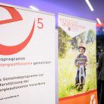 Auszeichnung im e5-Programm für energieeffiziente Gemeinden  Die 47 Vorarlberger Gemeinden des e5-Programms für energieeffiziente Gemeinden leisten einen großen Beitrag zum Ziel der Energieautonomie. Elf von ihnen wurden am Donnerstagabend (24.10.2019) ausgezeichnet.  Copyright: Matthias Rhomberg. Abdruck honorarfrei zur Berichterstattung über das e5-Programm für energieeffiziente Gemeinden. Angabe des Bildnachweises ist Voraussetzung.