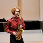 Saxofonistin Ayleen Weber  Ayleen Weber siegte beim Solistenwettbewerb 2021 des Vorarlberger Landeskonservatoriums.  Foto: Victor Marin. Verwendung honorarfrei zur redaktionellen Berichterstattung über das Vorarlberger Landeskonservatorium. Angabe des Bildnachweises ist Voraussetzung.