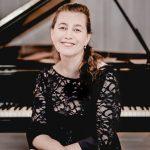 SOV-Lilya-Zilberstein  Die russische Pianistin Lilya Zilberstein spielt mit den berühmtesten Orchestern auf der ganzen Welt.  Foto Andrej Grilc. Verwendung honorarfrei zur redaktionellen Berichterstattung über das Symphonieorchester Vorarlberg. Angabe des Bildnachweises ist Voraussetzung.